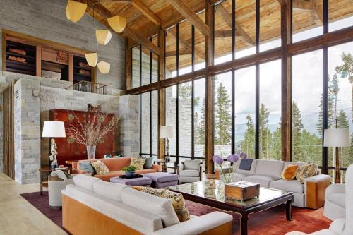 Gompa (mineral) | Colorado, USA | Thomas Hamel Interior Design